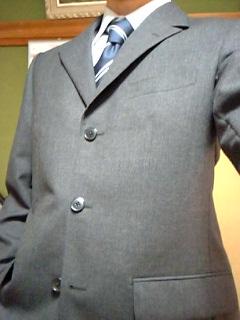 久々スーツ